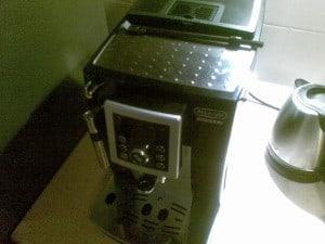 Ekspres ciśnieniowy do kawy DeLonghi Intensa