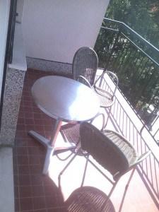 Groupon i wakacje: Chorwacja za śmieszne pieniądze - taras na balkonie